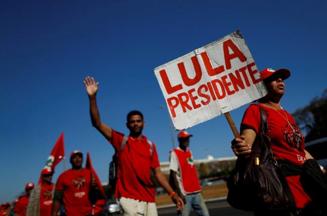 Marche en faveur de Lula, le 14 août 2018. L'ancien président est emprisonné depuis avril 2018. © Reuters