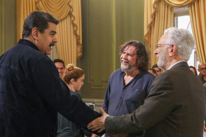 Nicolás Maduro, Ramón Grosfoguel en centro y Enrique Dussel a derecha. Malaxions de Miraflores. 22 de octobre, Caracas.