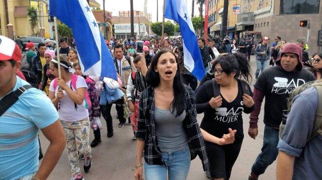 Nicole Ramos, avocate américaine basée à Tijuana, organise régulièrement des ateliers juridiques à l'attention des demandeurs d'asile, de plus en plus nombreux dans la ville frontalière entre le Mexique et les Etats-Unis. © Manuel Ocano