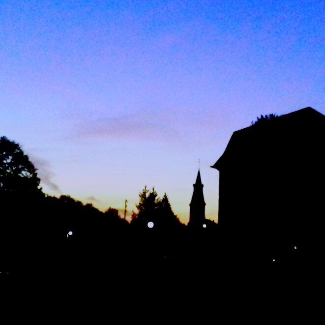 Eglise nanteau sur lunain © La tomate marron