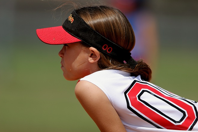 softball-player-female-youth-163375