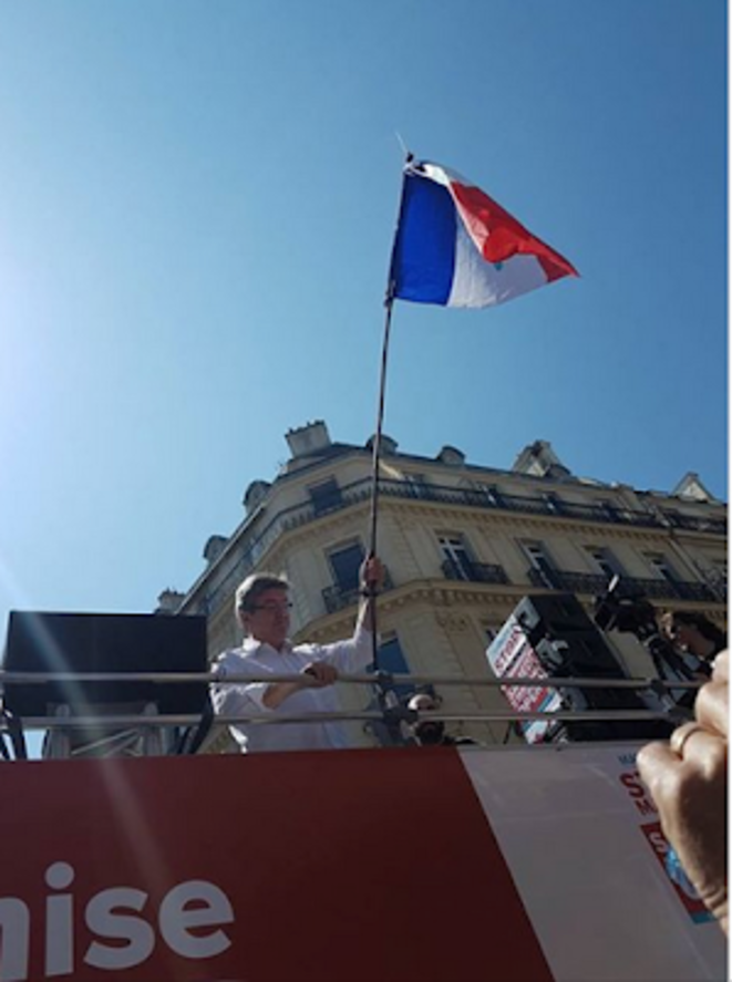 capture-d-ecran-2018-08-27-a-16-02-51-melenchon-drapeau-tricolore