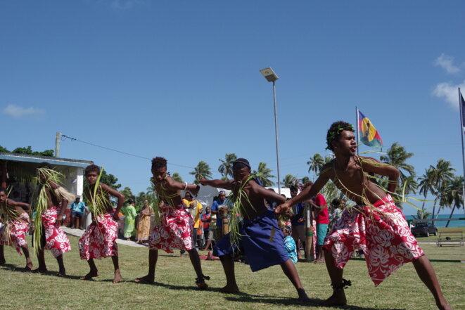 Enfants d'Ouvéa dansant pour le 5 mai 2018 © © Mehdi Lallaoui