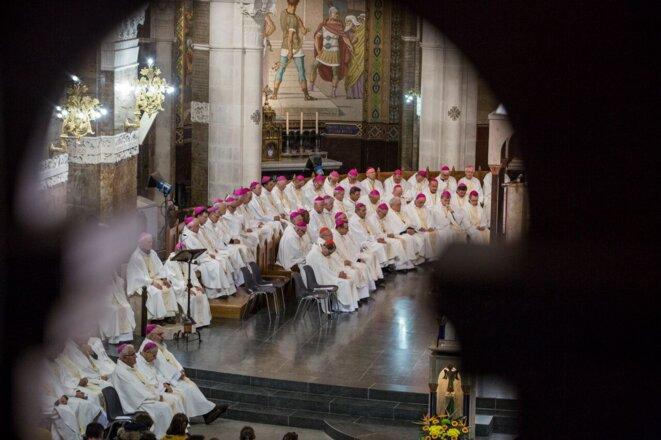 Le cardinal Barbarin, au centre, lors de l'assemblée plénière des évêques de France, le 3 novembre 2018 © Alberto Campi (We Report)