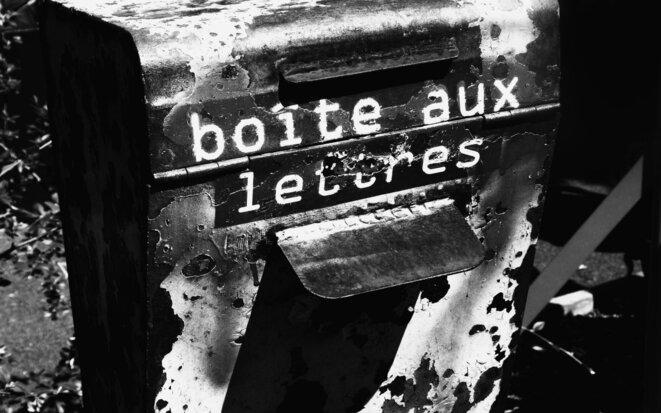 Une simple boite aux lettres © unfragmentdetemps