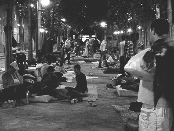 """""""Paris est une fête: un film en 18 vagues"""" de Sylvain George © Blaq Out"""