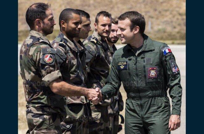 le-president-a-repete-hier-que-la-nation-devait-beaucoup-aux-militaires-a-droite-le-general-francois-lecointre-photos-afp-1500597466