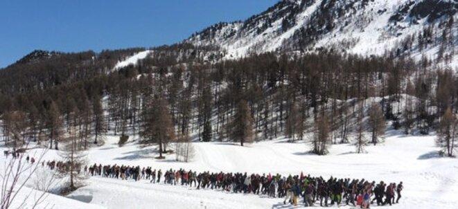 Le 22 avril, la marche sur la frontière entre l'Italie et Briançon © DR
