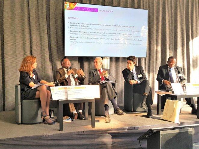 Panel sur les politiques africaines avec la participation de S.E.M. FLAVIEN ENONGOUE (2ème personne partant de la gauche)