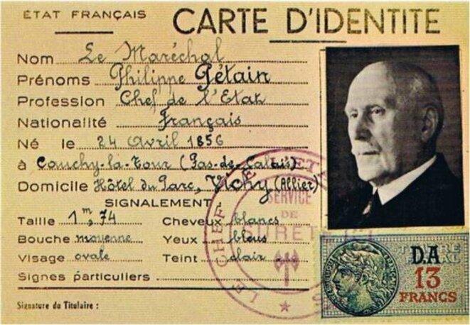 Carte d'identité officielle (jamais signée) du Maréchal PETAIN © Domaine public