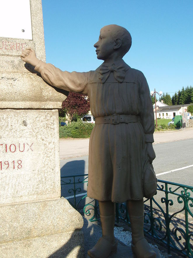gentioux-monument-aux-morts-pacifiste