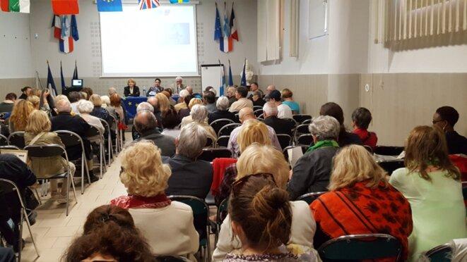 """""""La salle était comble, les débats intenses, l'atmosphère est restée conviviale"""" © Maxence Dagher (trésorier du Comité Européen Marseille)."""