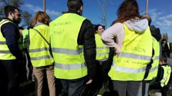 gilets jaunes 17 novembre message emmanuel macron le club de mediapart. Black Bedroom Furniture Sets. Home Design Ideas