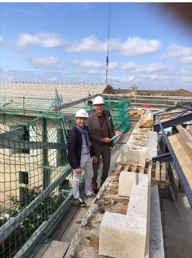 M. Riac, PDG, à droite, sur le toit de l'hôtel des Doctrinaires [Photo compte Facebook ValVital]