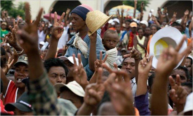 La révélation de l'affaire Daewoo a contribué au renversement du gouvernement malgache quelques mois plus tard et a fait découvrir au monde une nouvelle tendance scandaleuse à l'accaparement de terres destinées à la production agricole, motivée par la crise alimentaire et financière.