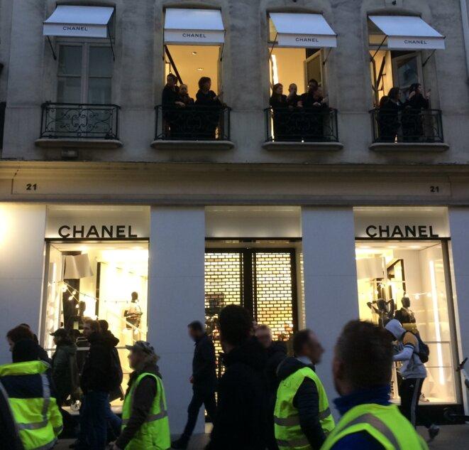 Samedi rue du Faubourg Saint-Honoré, photo ER