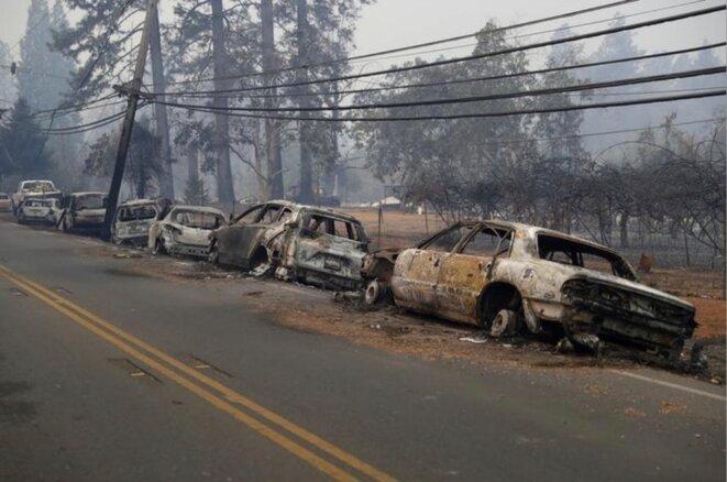 13 novembre. Voitures détruites à Paradise. © Reuters