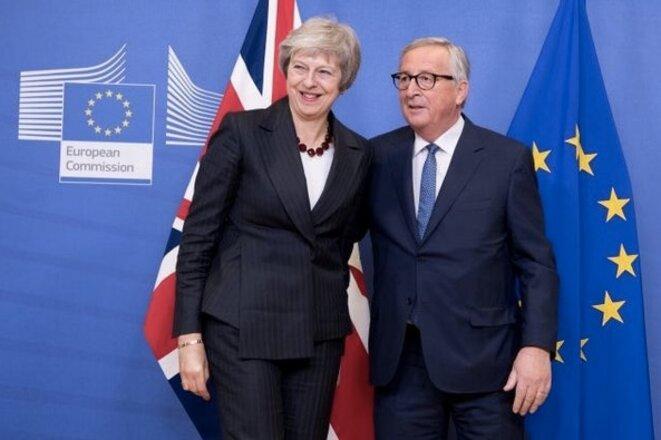 Theresa May et Jean-Claude Juncker le 21 novembre 2018 au siège de la commission européenne à Bruxelles. © CE.