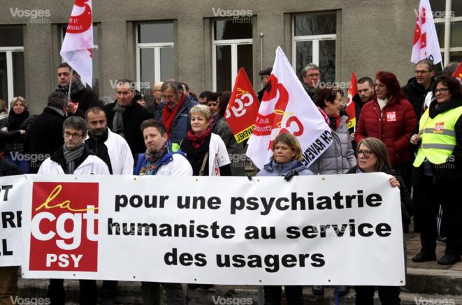 Manifestation de l'hôpital Ravenel de Mirecourt (Vosges), novembre 2017 [Ph. Philippe Briqueleur, Vosges Matin]