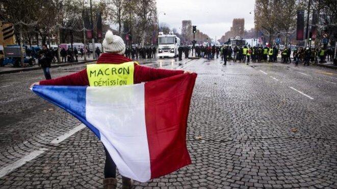 Macron démission ! © Brignolles.com