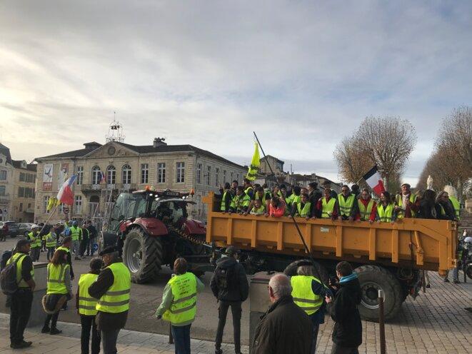 Samedi 1er décembre, place de la Libération à Auch [Photo YF]