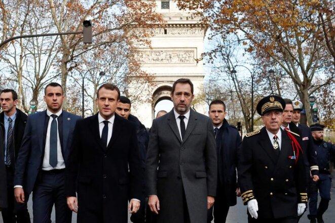 Emmanuel Macron et Christophe Castaner à l'Arc de triomphe, le 2 décembre 2018. © Thibault Camus/REUTERS