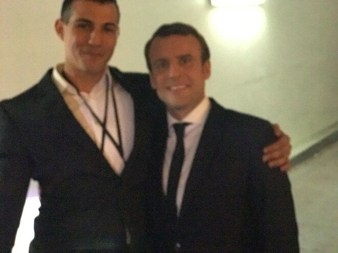 Kader Rahmouni avec Emmanuel Macron pendant la campagne présidentielle. © DR