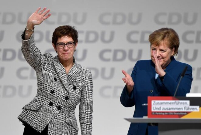 Annegret Kramp-Karrenbauer et Angela Merkel le 7 décembre, à Hambourg. © Reuters