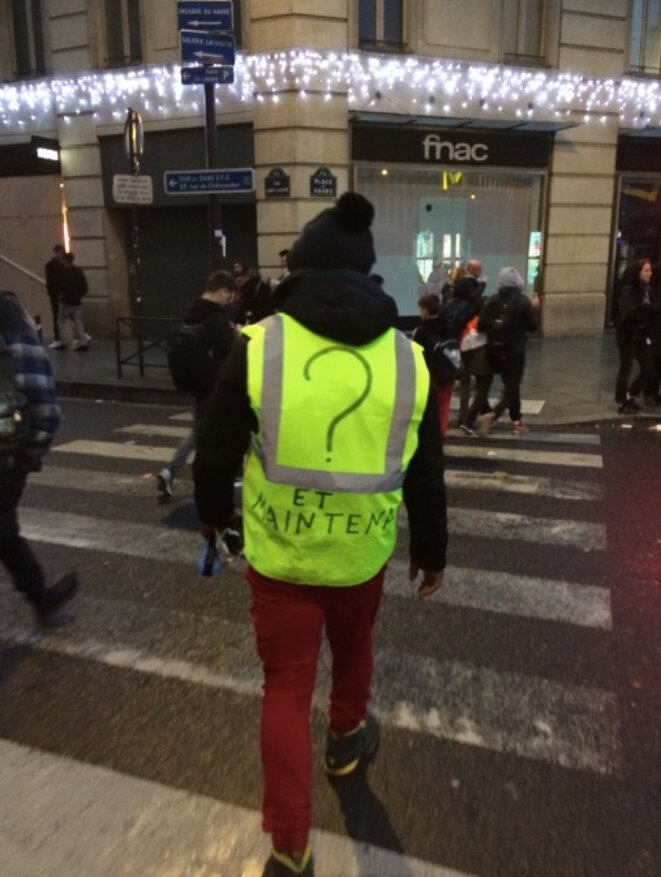 Devant la gare Saint-Lazare © JC