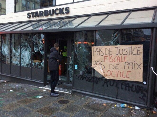 Le café Starbuck investi à Saint-Lazare © JC
