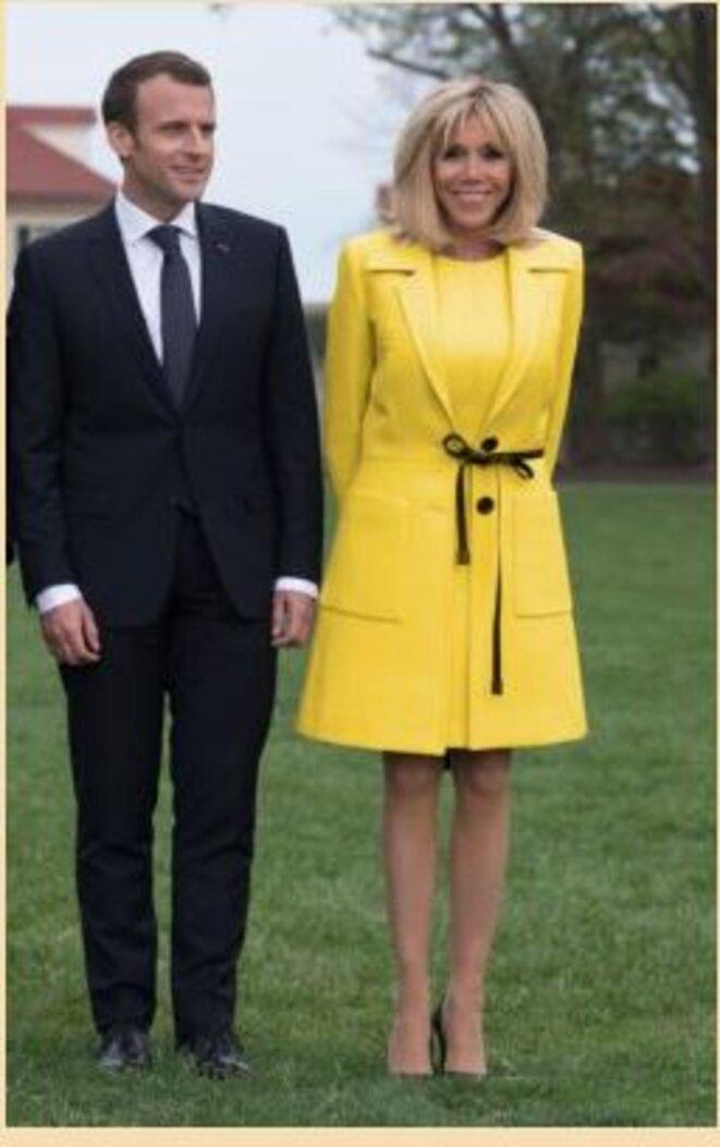 les-macron-en-jaune