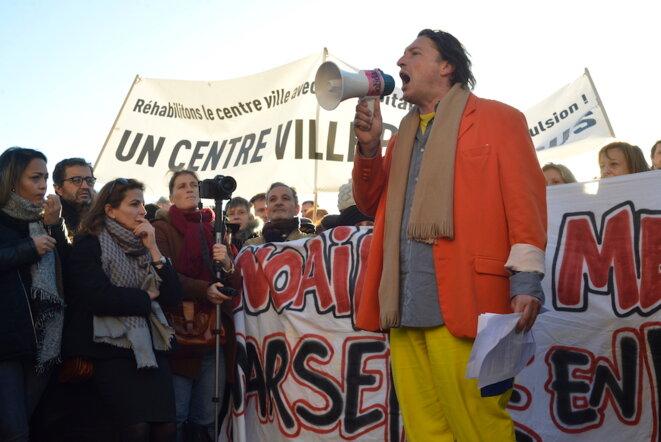 Lors du rassemblement pour un logement digne, sur le Vieux-Port, le 10 décembre. © LF
