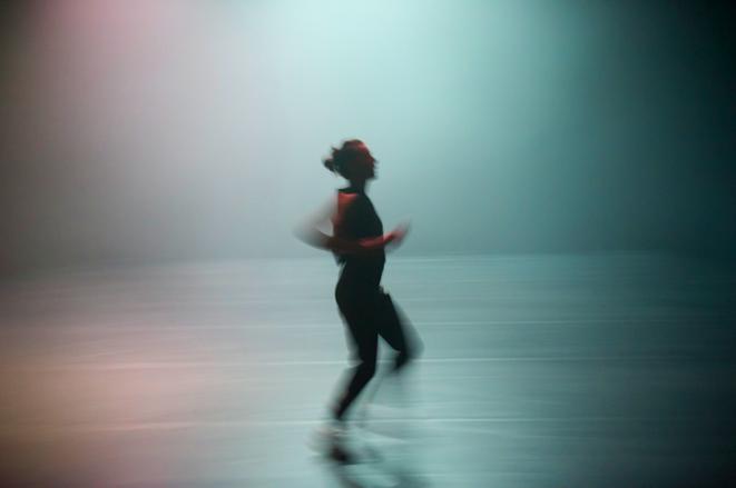 Maeva Cunci dans Sprint, chorégraphie d'Emmanuelle Vo-Dihn © Laurent Philippe