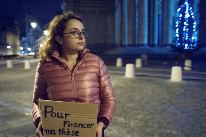 Tunisian student Dorra Mahjoubi in front of the Panthéon in Paris, December 2nd 2018. © Karim AL