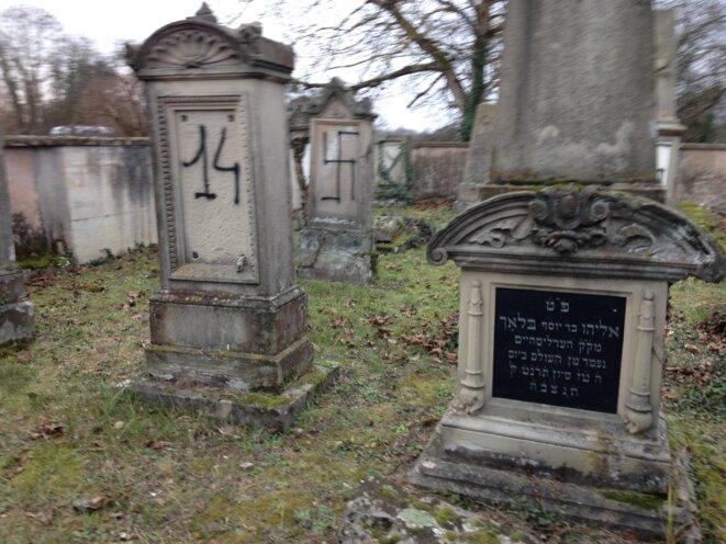 Cimetière juif profané à Herrlisheim © la feuille de chou