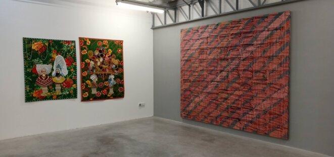 """Vue de l'exposition """"Soft power"""", Chiachio & Giannone, Ghana Amer, Le Transpalette, centre d'art contemporain, Bourges, 2018. © Dorian Degoutte"""