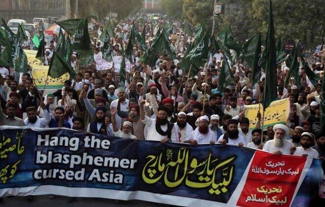 Manifestation au Pakistan demandant l'application de la charia à l'appel du parti Tehreek-e-Labbaik (octobre 2018)