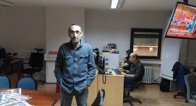 Fatih Polat, directeur de la publication du quotidien de gauche Evrensel. © NC