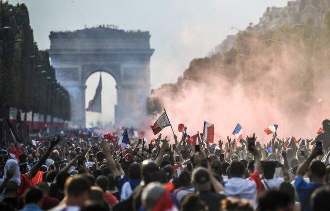 Photo des Champs Elysées le 16 juillet 2018, jour de la descente des Bleus.
