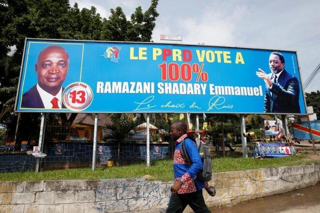 Une affiche de campagne d'Emmanuel Ramazani Shadary. © Reuters