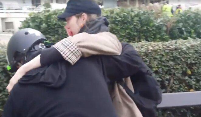 Lola Villabriga, après avoir reçu un tir de flashball, le 18 décembre, à Biarritz. © Capture d'écran Facebook