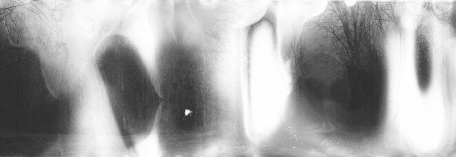 """Coline Jourdan, série """"L'agent blanc"""", tirage jet d'encre sur baryté, 35 x 100 cm, 2015 © Coline Jourdan"""