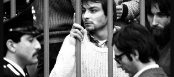 Cesare Battisti lors de son procès en février 1981 © Dr
