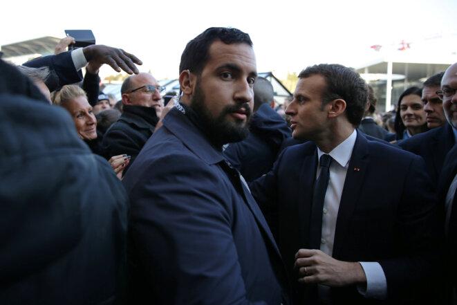 Alexandre Benalla et Emmanuel Macron, le 24 février 2018. © Reuters
