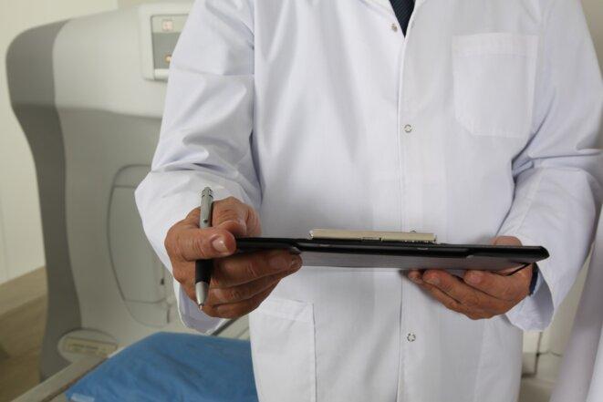 Maladies contagieuses : méthodes de prévention © didier raoult