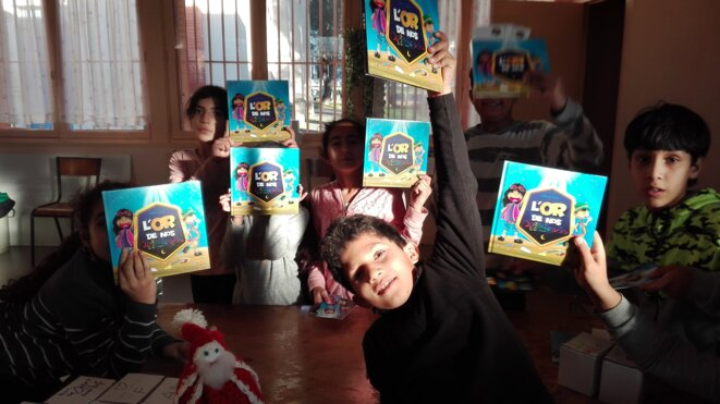 Les enfants des Izards à Toulouse, lors d'un atelier créatif.