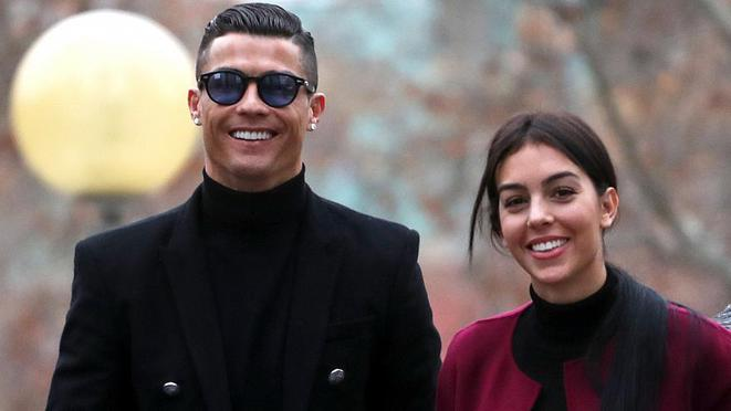 Cristiano Ronaldo arriving at court in Madrid, January22nd, with his fiancee Georgina Rodriguez. © Reuters