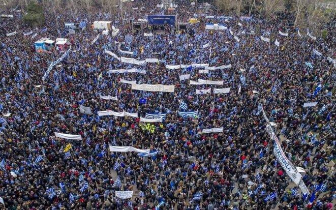 Rassemblement massif à Athènes pour s'opposer à l'accord de Prespa et revendiquer l'hellénicité exclusive de la Macédoine