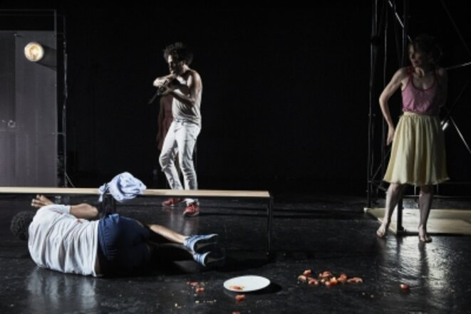 """""""Convulsions"""", texte d'Hakim Bah, m.e.s. de Frédéric Fisbach, 2018, Théâtre Ouvert - Centre national des dramaturgies contemporaines, Paris © Christophe Raynaud de Lage"""