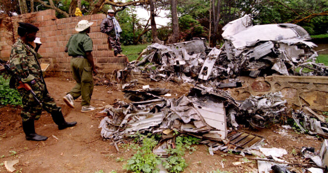 The wreckage of Rwandan president Juvénal Habyarimana's aicraft, shot down on April 6th 1994. © Reuters